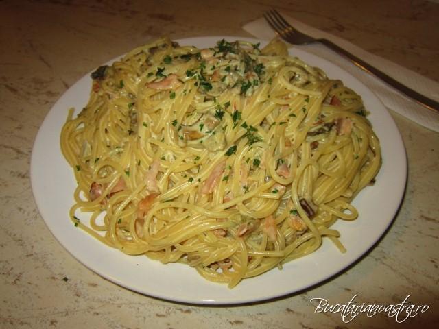 spaghetti sunca si ciuperci de padure reteta