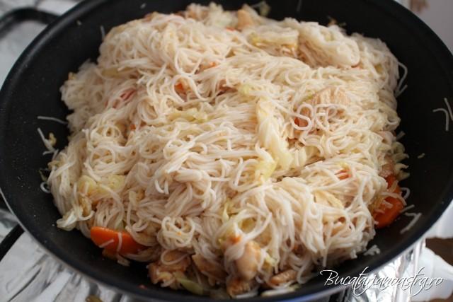 taietei chinezesti cu pui si legume - reteta originala