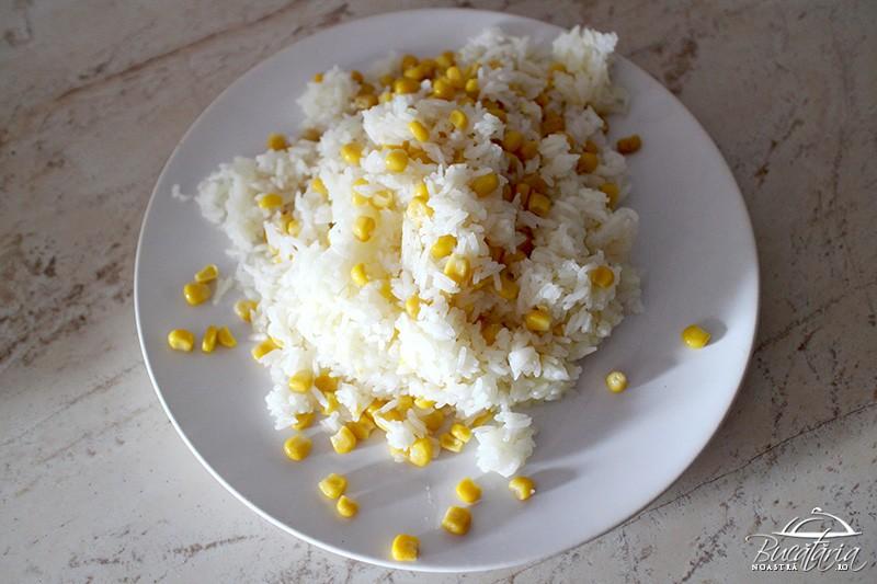 Rețetă orez fiert cu unt și porumb