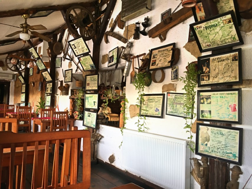 Restaurant Rustiq Santimbru interior