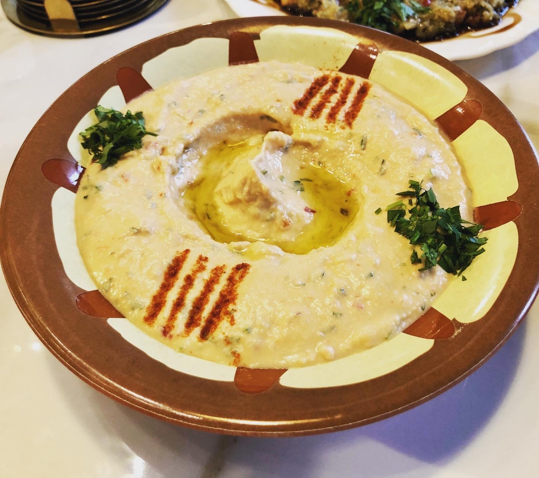 Humus Libanez la Marhaba Restaurant Cluj-Napoca