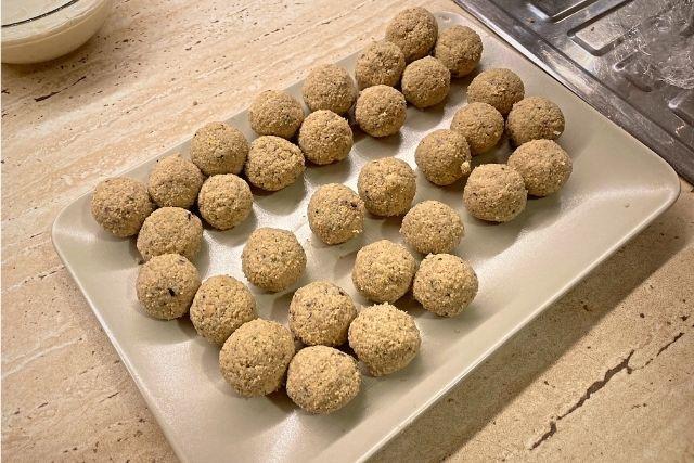 Falafel – Chiftele de naut (Reteta vegana) - Pasul 6