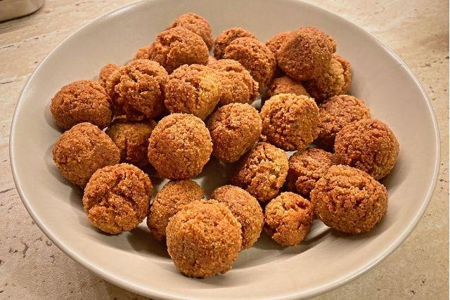 Falafel – Chiftele de naut (Reteta vegana) - Pasul 7